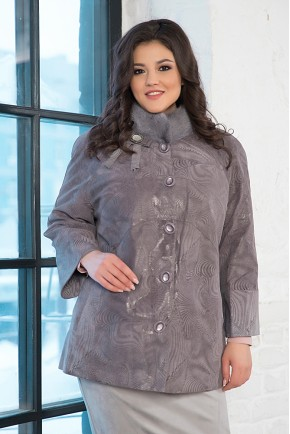 Замшевая куртка большого размера