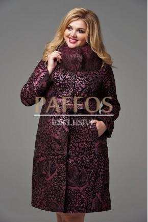 Красивое пальто с меховой отделкой