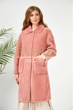 Розовая шуба из овечьей шерсти
