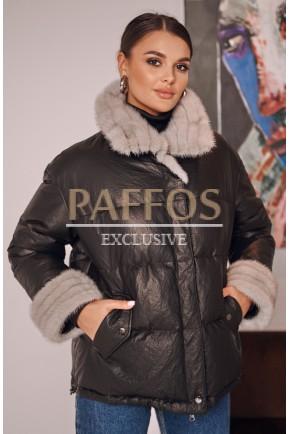 Модная кожаная куртка-пуховик