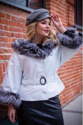 Белая куртка с мехом чернобурки Итальянская коллекция.