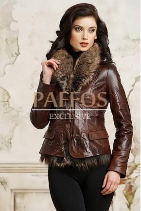 Темно-коричневая куртка из кожи с мехом